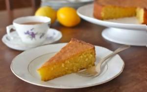 Ένα γευστικότατο κέικ λεμόνι χωρίς γλουτένη