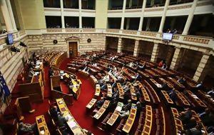 """Η κυβέρνηση προκαλεί με τροπολογία """"χλιδής"""""""