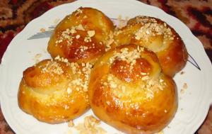 Τσουρεκάκια, tsourekakia