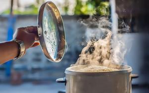 Το ρύζι είναι επικίνδυνο αν δεν μαγειρευτεί σωστά
