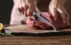 Το απλό κόλπο για να ξεπαγώσετε το κρέας σε μόλις 10 λεπτά