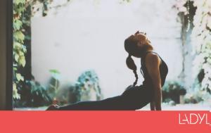 Οι 4 στάσεις yoga που θα σου χαρίσουν πιο δυνατούς κοιλιακούς