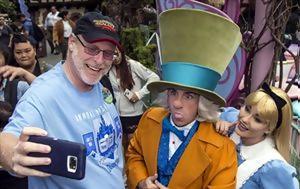 Επισκέπτεται, Disneyland 2 000, episkeptetai, Disneyland 2 000