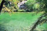 Η ελληνική παραλία που θυμίζει όαση στην έρημο,