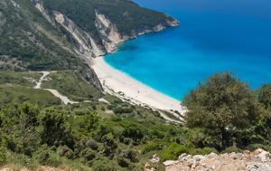 9 συντάκτες γράφουν για την αγαπημένη τους ελληνική παραλία