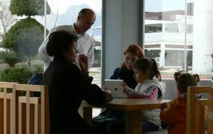 Για τους γονείς που βάζουν ένα τάμπλετ στα χέρια των παιδιών τους στο εστιατόριο