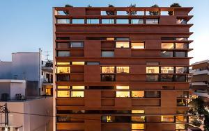 Η ελληνική πολυκατοικία που ομορφαίνει το αστικό περιβάλλον και αλλάζει τα δεδομένα διαβίωσης
