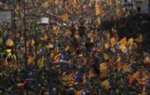 Η πρωθυπουργός της σκωτίας ζητά να γίνει σεβαστό το δικαίωμα της αυτοδιάθεσης στην καταλονία