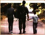 Τι γινεται όταν οι δυο γονείς είναι στον στρατό και πρέπει να πάνε το παιδί σχολείο,