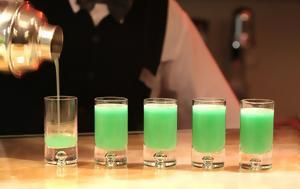 Τι πρέπει να γνωρίζεις για το αψέντι,  το πιο παρεξηγημένο ποτό όλων των εποχών
