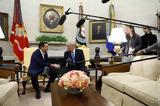 O Αλέξης Τσίπρας, Λευκό Οίκο, Τραμπ,O alexis tsipras, lefko oiko, trab