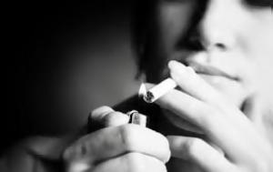 Μην καπνίζετε πριν κοιμηθείτε! Τι μπορεί να πάθετε