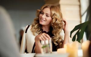 Διάσημη Hair Stylist, diasimi Hair Stylist