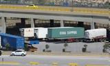 Τα φορτηγά (και τα εμπορεύματα) επιστρέφουν σιγά – σιγά στην εγχώρια ακτοπλοΐα,