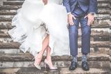 – Παντρεύτηκαν,– pantreftikan