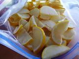 Γιατί είναι καλύτερο να βάζετε τα λεμόνια στην κατάψυξη!,
