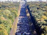 Αδιαίρετοι, Διαδήλωση, 150 000, Βερολίνο,adiairetoi, diadilosi, 150 000, verolino