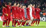 Οι οπαδοί απαίτησαν μόνο κόκκινο και λευκό και η διοίκηση το έκανε πραγματικότητα,
