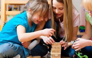 Τα παραδοσιακά παιχνίδια είναι καλύτερα από τα ψηφιακά για δώρα στα παιδάκια