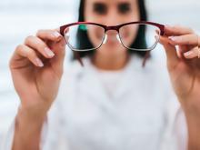 Γυαλιά οράσεως  «Παγώνει» ο νόμος για τα voucher  9bf68a71f62