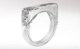 Tο δαχτυλίδι που είναι φτιαγμένο μόνο από διαμάντι,