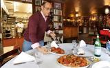 Το εστιατόριο που δεν έχει ελεύθερο τραπέζι εδώ και 42 χρόνια,