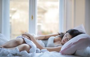 Γιατί βγάζουμε το πόδι μας έξω από τα σεντόνια όταν κοιμόμαστε;