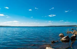 Για πρώτη φορά βρέθηκε κορονοϊός σε νερό από παραλία