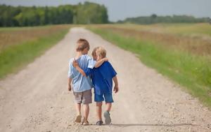 Οι άνθρωποι που έχουν καλούς φίλους ζουν περισσότερο,  γελούν περισσότερο και στενοχωριούνται λιγότερο