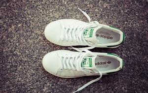 Η ιστορία των πιο αναγνωρίσιμων λευκών sneakers στον κόσμο